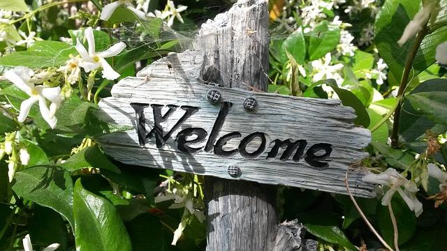 accueil du site proposant des cours particuliers de maths symbolisé par un panneau de bienvenue